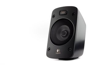 hlb photograpy photographer commercial product port elizabeth logitech speakers professional studio